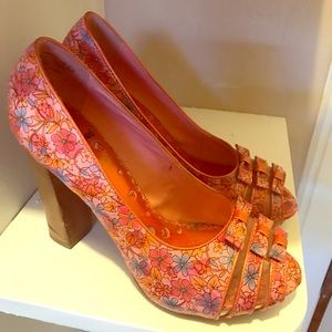 Shoes - Floral Pumps